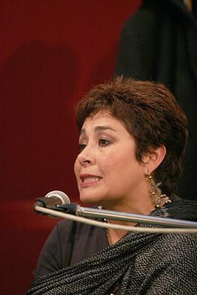 Machincuepa de Flor Cecilia Reyes: viaje de ensueño de una infanta a través de los haikus - 20080408020008-columna-ok
