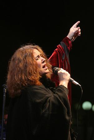 Tania entonó un canto de Libertad