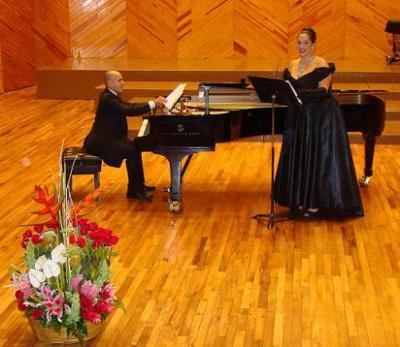 Regina Orozco y Rodolfo Ritter se unen por el ex Convento